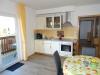 Wohnzimmer-Fewo-01-Küchenzeile